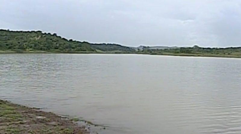Homem morre afogado após fazer manobra brusca e cair de barco no Lago Corumbá