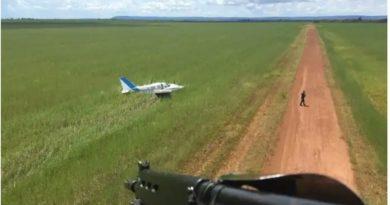 Aeronave com 50 kg de cocaína é interceptada pela FAB e faz pouso forçado em MT