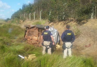 Jovem capota veículo com 800 kg de maconha e é preso pela PRF próximo a Jataí