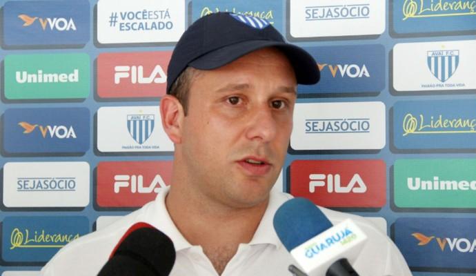 Diretoria da Jataiense anuncia Raul Cabral como novo técnico da equipe