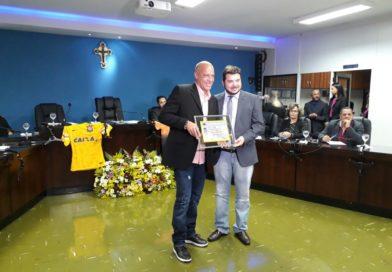 O Jataiense Mauri Costa Lima treinador de Goleiros do Corinthians é homenageado pela Câmara Municipal de Jataí