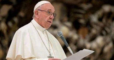 """Papa: """"A corrupção deve ser combatida com força"""""""